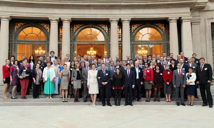 Ambassador Schapiro opens the annual IVLP reception at the U.S. Ambassadors' residence.