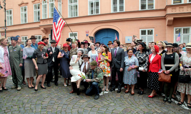 The Embassy employees welcomed the the Convoy of Liberty dressed in historical costumes from the 1940's. (photo U.S. Embassy Prague)