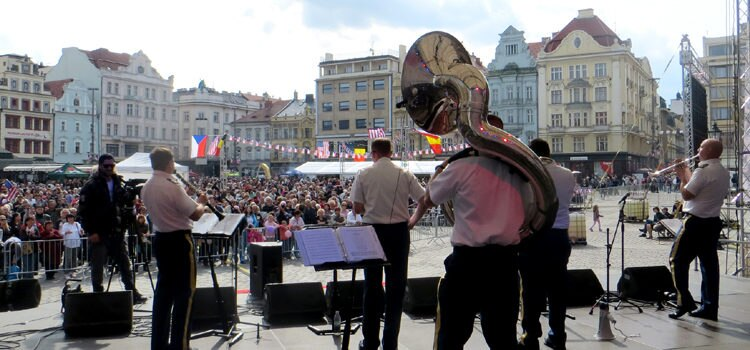 "The U.S. Army Europe Dixieland band ""Rhine River Ramblers"" plays in Pilsen's main square. (photo U.S. Embassy Prague)"