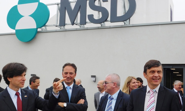 U.S. Ambassador Andrew Schapiro participated in the grand opening of the MSD IT Global Innovation Center building in Prague on May 20, 2015. (photo U.S. Embassy Prague)