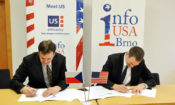 Director of the American Center Nicholas Von Mertens and Moravian Land Library Director Tomáš Gec sign a Memorandum of Understanding on continuing cooperation and support for InfoUSA in Brno. (photo U.S. Embassy Prague)
