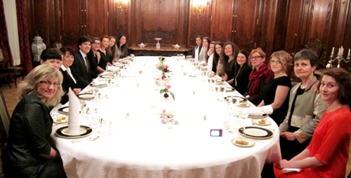 Ambassador Schapiro and his wife Tamar Newberger hosted the first dinner ever at the residence for women leaders in science and technology on March 16. (photo U.S. Embassy Prague)