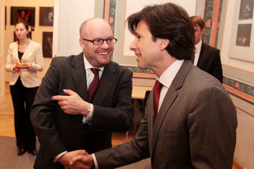 Ambassador Andrew Schapiro greets Dr. Wyatt Vreeland at the reception held at the American Center.