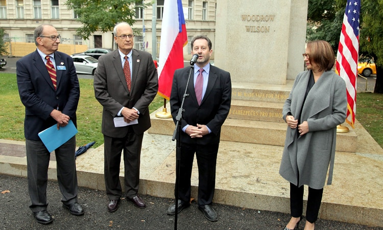 Deputy Chief of Mission Steven Kashkett speaks at a ceremony to transfer custody of the Woodrow Wilson Monument to the City of Prague. (photo U.S. Embassy Prague)