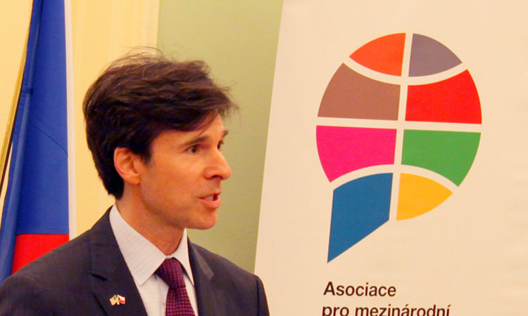 Ambassador Andrew Schapiro speaks at the Ministry of Foreign Affairs of the Czech Republic on October 30, 2014.