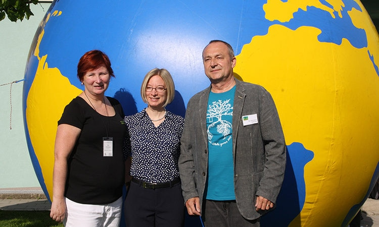 Chargé d'Affaires Kelly Adams-Smith opened GLOBE GAMES in Moravske Budejovice. on May 11, 2017.