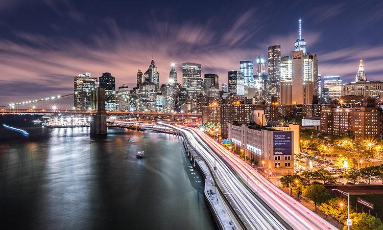 Vítězná fotografie z loňského ročníku: Adam Kahánek, Noční pohled na Brooklyn Bridge a downtown Manhattan, New York City, NY