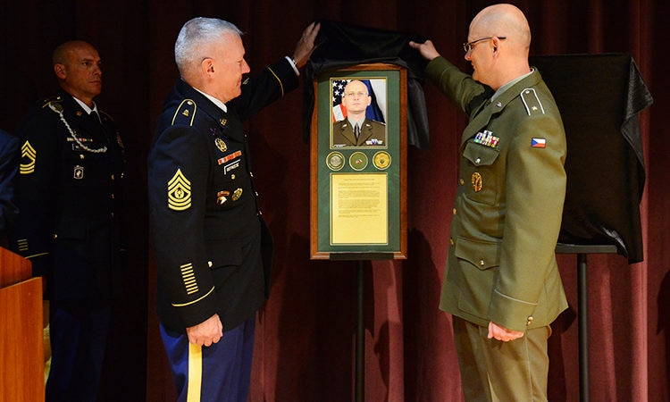 CSM Petr Seifert being inducted into the US Army Sergeant Majors Academy Hall of Fame.